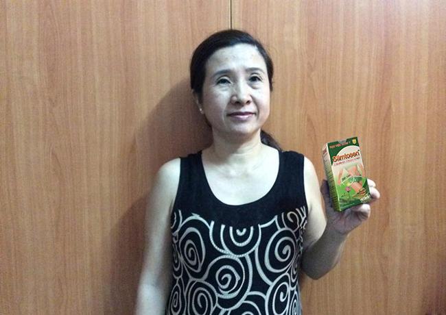 Chị Quyên cùng sản phẩm Slimtosen của Học viện Quân y